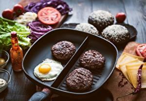 Desktop wallpapers Meatballs Egg Frypan Food
