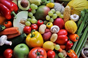 Bureaubladachtergronden Fruit Groente Druiven Tomaten Paprika Wortels Citroenen Paddestoelen Aardappel