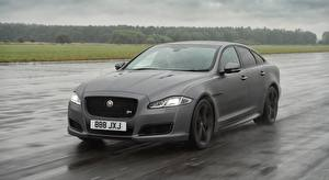 Wallpaper Jaguar Asphalt Wet Grey Sedan Motion XJR575, UK-spec, 2017 Cars