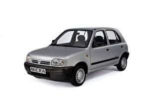 Fotos Nissan Graues Metallisch Weißer hintergrund  Autos
