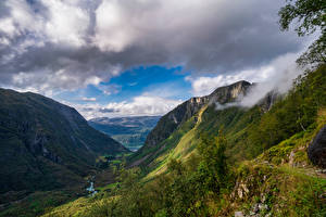 Bilder Norwegen Berg Parks Wolke Ein Tal Folgefonna National Park Natur