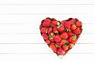 Обои Клубника Сердце Шаблон поздравительной открытки Еда картинки