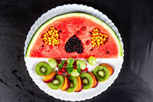 Wallpapers Watermelons Kiwi Berry Plums Grapes Plate Pieces Heart Design Food