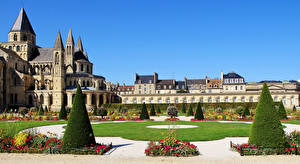 Tapety Francja Klasztor Domy Projektowanie krajobrazu Trawnik Abbaye aux Hommes Caen Miasta zdjęcia zdjęcie