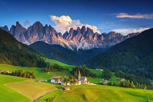 Bilder Italien Gebirge Kirchengebäude Landschaftsfotografie Alpen Ein Tal Santa Maddalena Alta Natur