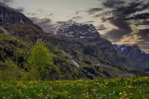 Tapety na pulpit Norwegia Góry Łąki Sandvin