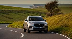 Desktop hintergrundbilder Wege Jaguar Gras Graues Vorne E-Pace, P300 AWD, R-Dynamic, UK-spec, 2017 auto