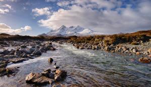 Tapety na pulpit Szkocja Góra Rzeka Kamienie Chmury Sligachan Natura