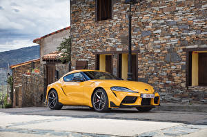 Pictures Toyota Yellow Metallic 2019-20 GR Supra Worldwide Cars