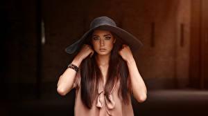 Papéis de parede Viacheslav Krivonos Modelo Chapéu Mão Ver Meninas imagens