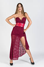 Bilder Posiert Kleid Bein Starren Anna junge Frauen