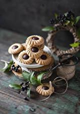 Bakgrundsbilder på skrivbordet Småkakor Bär - Mat Stilleben Träplankor Grenar Mat