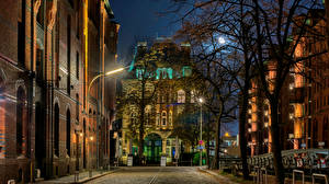 Desktop wallpapers Germany Hamburg Houses Night time Street Cities