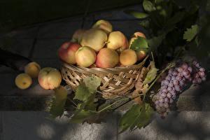 Hintergrundbilder Weintraube Äpfel Weidenkorb