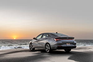 Pictures Hyundai Coast Gray Metallic Elantra Hybrid, North America, (CN7), 2020 automobile