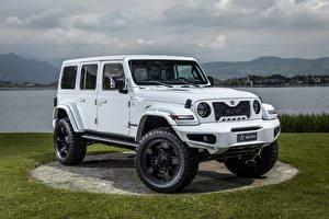 Image Jeep Tuning SUV White