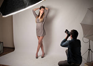 Desktop wallpapers Man Photographer Pose Brown haired Frock Legs Girls