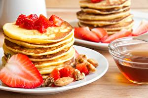 Pictures Pancake Strawberry Plate Food