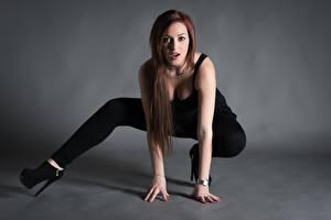 Fotos Pose Bein Blick Samanta junge Frauen