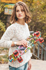 Photo Skateboard Brown haired Sweater Hands