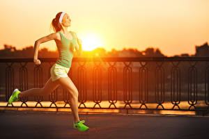 Images Sunrises and sunsets Fence Run Smile Singlet Legs Athletic shoe Girls