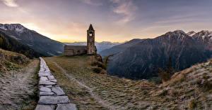 Bilder Schweiz Gebirge Kirchengebäude Landschaftsfotografie Turm Steinerne San Romerio Natur