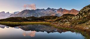 Bureaubladachtergronden Zwitserland Berg Een meer Alpen Weerspiegeld Canton Berne, panorama Natuur