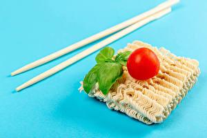 デスクトップの壁紙、、トマト、色の背景、箸、バジル、instant noodles、食品