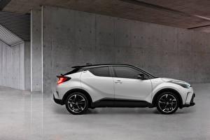 Picture Toyota CUV White Metallic Side C-HR Hybrid GR Sport, EU-spec, 2020 Cars
