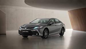 Bakgrundsbilder på skrivbordet Toyota Grå Metallisk Camry Hybrid, EU-spec, 2020