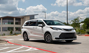 Pictures Toyota Station wagon White Metallic Minivan Sienna LE, 2020