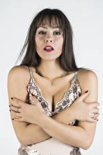Hintergrundbilder Posiert Hand Kleid Dekolletee Blick Vittoria Mädchens