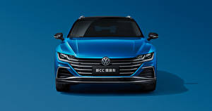 Wallpapers Volkswagen Blue Metallic Station wagon Front Colored background CC Shooting Brake 380 TSI, China, 2020 auto