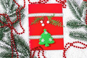 Desktop hintergrundbilder Neujahr Ast Tannenbaum Schnee Geschenke