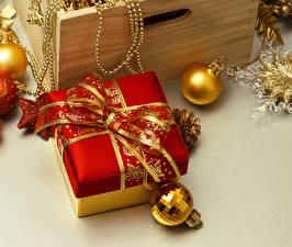 Wallpaper Christmas Present Balls Bow knot