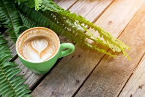 Fotos Kaffee Cappuccino Tasse Herz Bretter Lebensmittel
