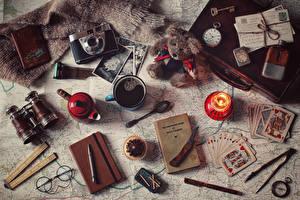 Bilder Kaffee Törtchen Kerzen Spielkarte Teddybär Uhr Messer Becher Brille Fotoapparat Kugelschreiber Bücher das Essen