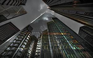 Papel de Parede Desktop Inglaterra Arranha-céus Edifício Vista de baixo