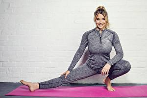 Image Gemma Atkinson Fitness Smile Stretch exercise Legs Glance Celebrities Sport Girls