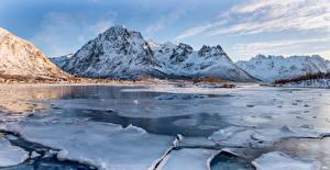 Tapety na pulpit Norwegia Góra Zima Lód Śnieg Laupstad, fjord przyroda