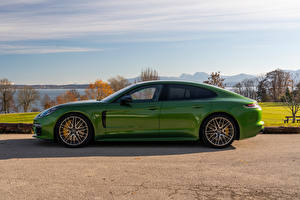 Images Porsche Green Metallic Side Panamera 4S Worldwide, (971), 2020 Cars