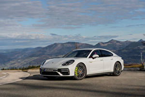 Picture Porsche White Metallic Panamera Turbo S E-Hybrid Worldwide, (971), 2020 automobile