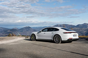 Wallpaper Porsche White Metallic Panamera Turbo S E-Hybrid Worldwide, (971), 2020 automobile