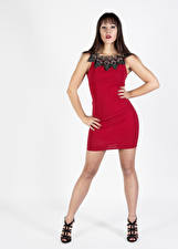 Hintergrundbilder Posiert Kleid Bein Blick Vittoria Mädchens