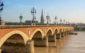 Fotos Brücken Flusse Frankreich Straßenlaterne Pont de Pierre Bridge, Bordeaux, Garonne river
