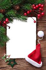 Hintergrundbilder Neujahr Beere Ast Stern-Dekoration Mütze Vorlage Grußkarte
