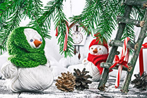 Photo Christmas Clock Branches Snowmen Pine cone