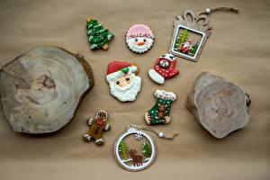 Pictures New year Cookies Deer Design Santa Claus Christmas tree Mittens Socks Food