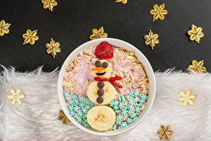 Images Christmas Creative Muesli Strawberry Chocolate Bananas Snowmen Snowflakes