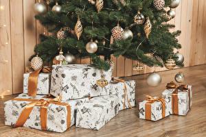 Bilder Neujahr Wände Christbaum Kugeln Geschenke